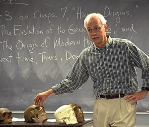 Picture of instructor at CMC teaching students about Anthropology Emphasis (AA).