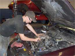 Picture of a student earning his Automotice Service Technology Certificate at CMC.